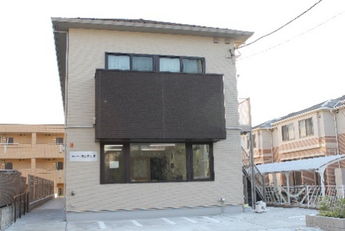 【建物正面2】